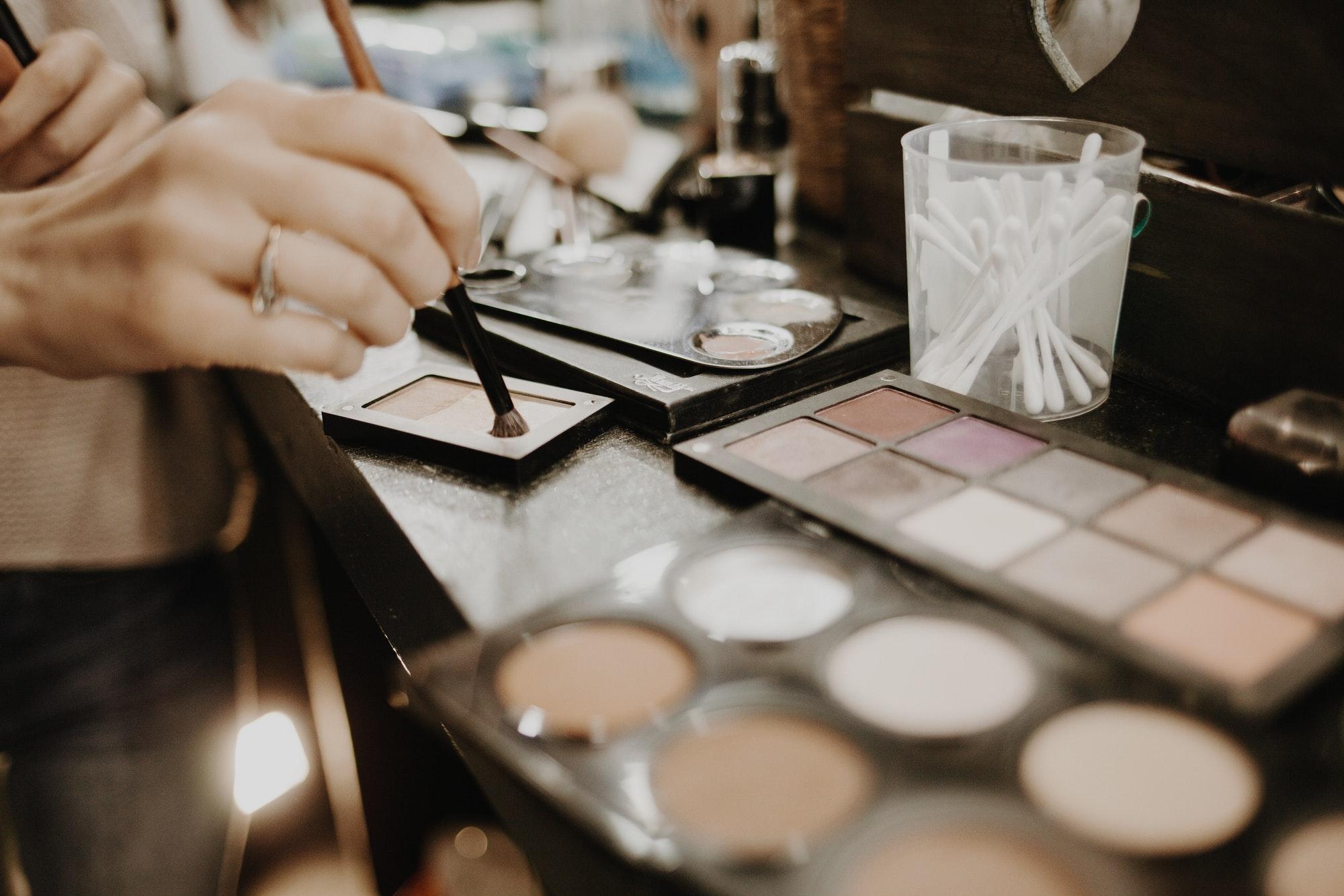 make up artist / make up tutorial / make up essentials / make up tools
